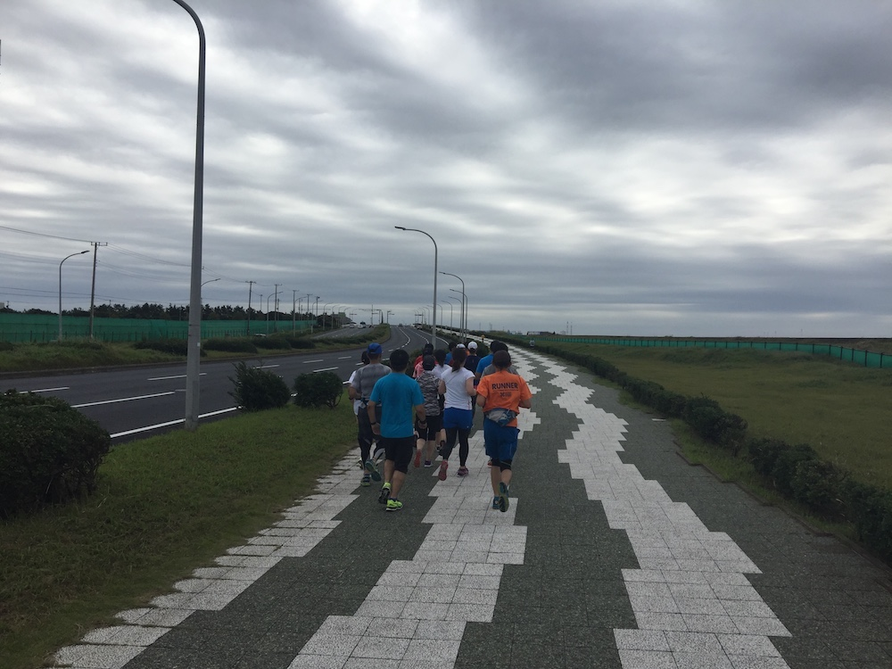 マリンスタジアム〜稲毛海浜公園周回30kmランニング練習会