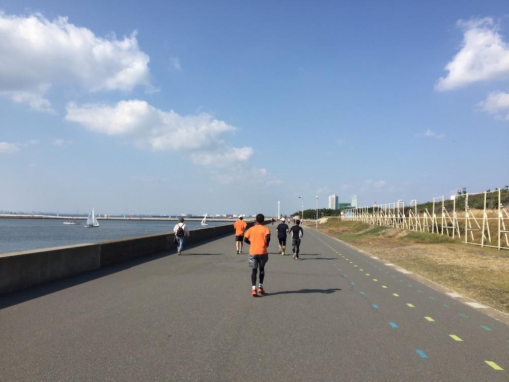 マリンスタジアム〜稲毛海浜公園周回LSD30kmランニング練習会