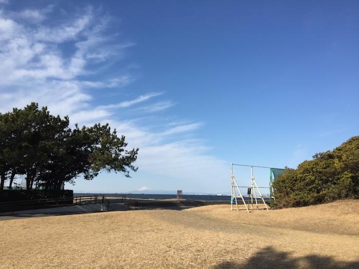 稲毛海浜公園から富士山
